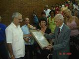 El profesor Gavaldá ha cumplimentado una meritoria labor asistencial y como docente