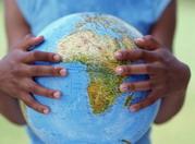 La mayoría de los niños huérfanos por culpa del sida viven en países en desarrollo, en su mayor parte en el África subsahariana