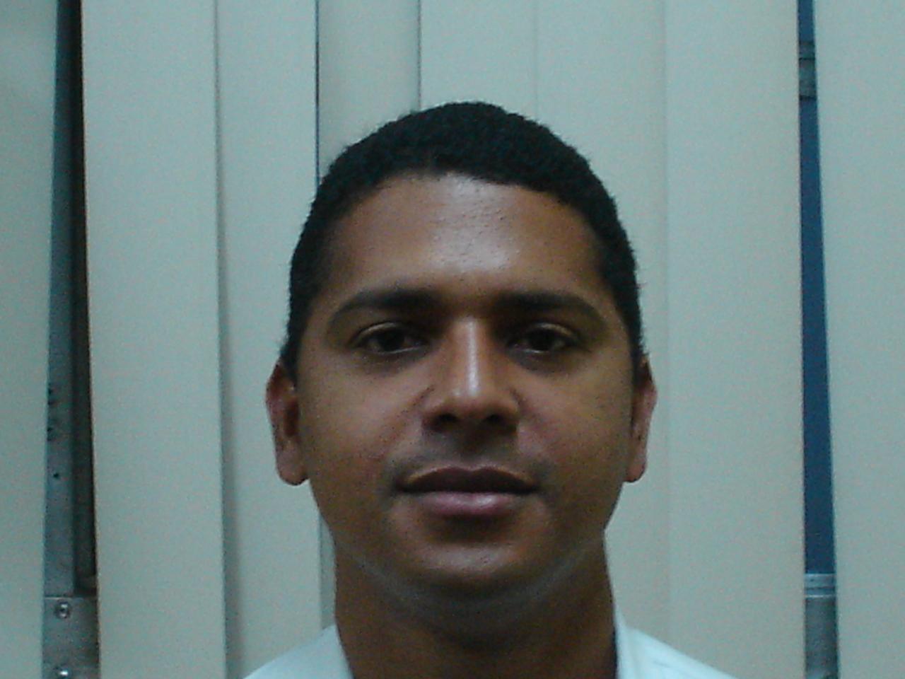 Dr. Jorge Ponce